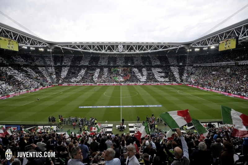 Foto Marco Alpozzi - LaPresse 23 05 2015 Torino Sport Campionato di calcio Serie A TIM 2014/2015 Juventus vs. Napoli Nella foto: Coreografia Foto Marco Alpozzi - LaPresse May 23, 2015 Turin Sport Football Italian Championship Season 2014/2015 Juventus vs. Napoli In the picture: Choreography